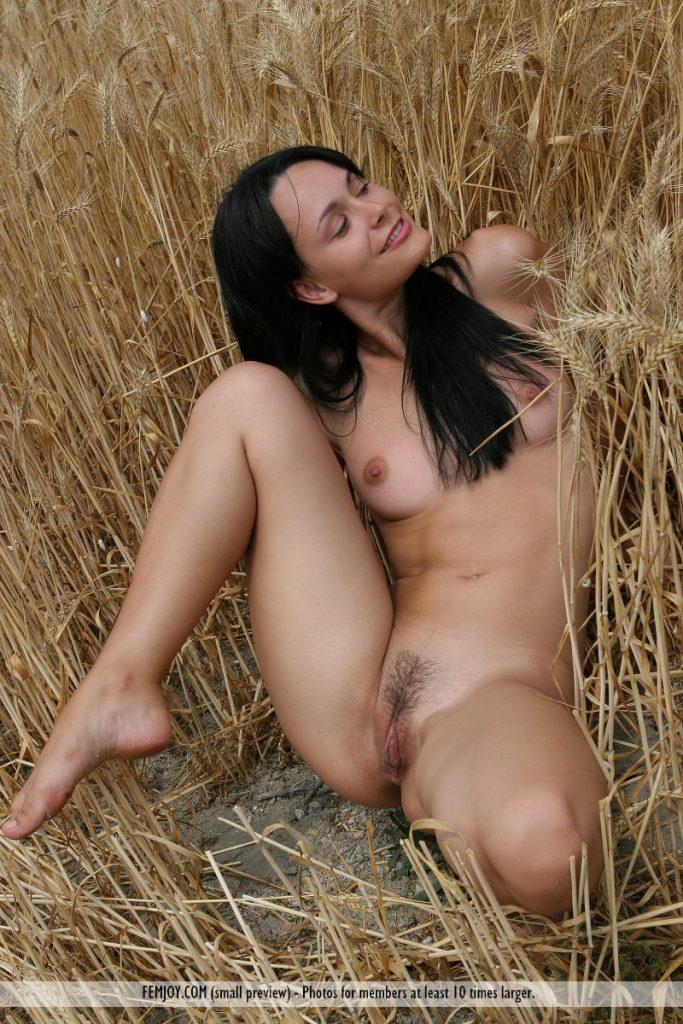 Bisexual amateur girls nude