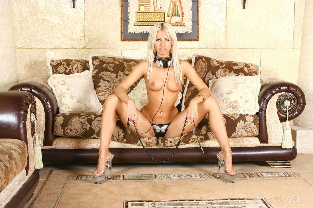 Hot blonde porn