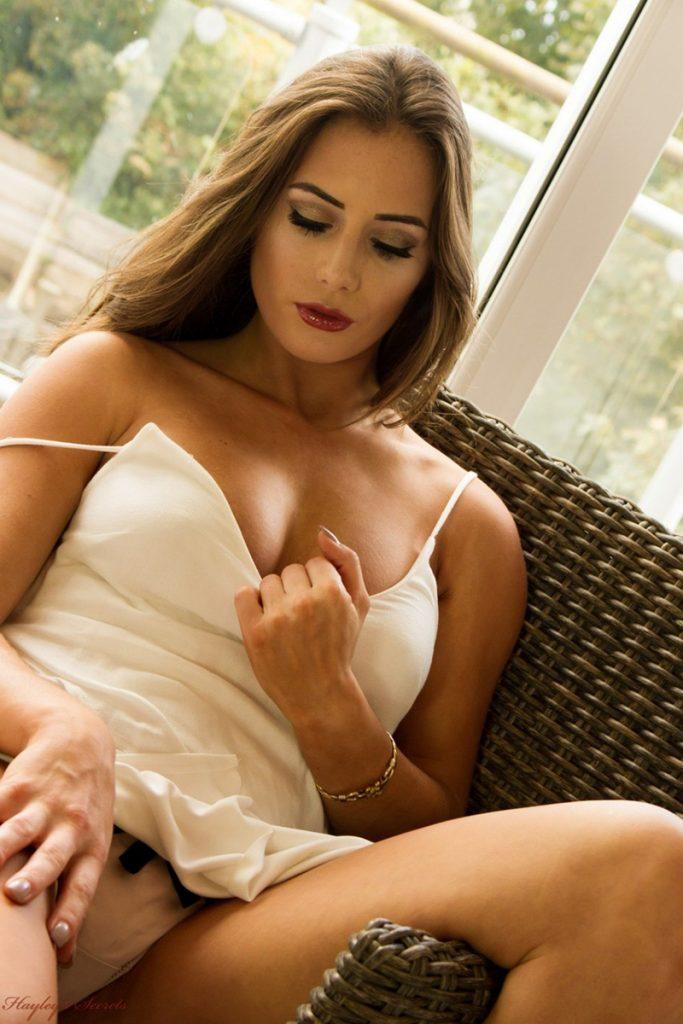 beautiful women naked